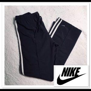 NIKE Women's Track Pants sz M ❤️